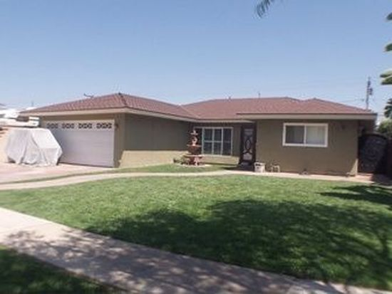 4571 Clubhouse Dr, Lakewood, CA 90712