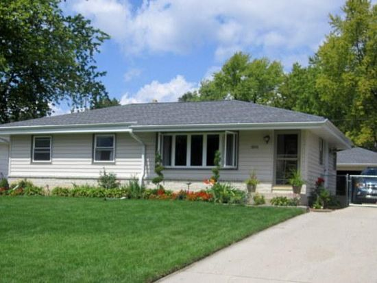 1804 Marquette Ave, South Milwaukee, WI 53172