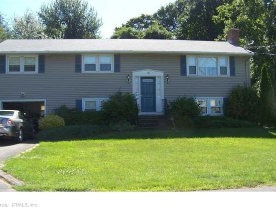 18 Willard Ave, Old Saybrook, CT 06475
