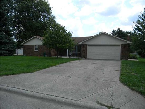 2114 Round Barn Rd, Anderson, IN 46017