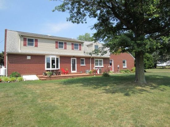 1135 Simmontown Rd, Gap, PA 17527