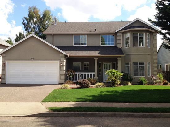 1218 S Redwood St, Canby, OR 97013