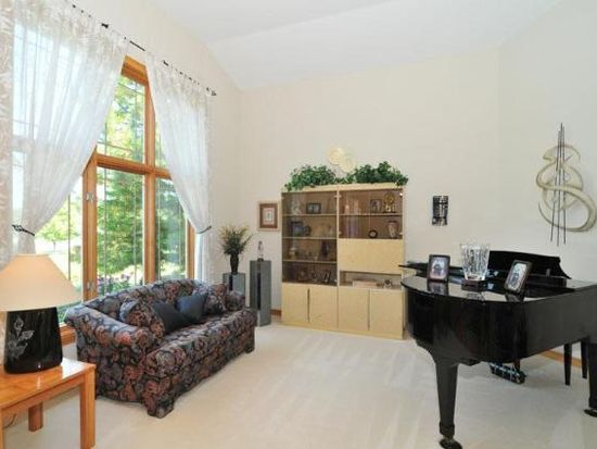 17855 Captains Ct, Brookfield, WI 53045