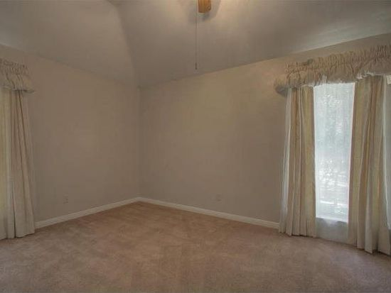 1900 Mulberry Ct, San Marcos, TX 78666