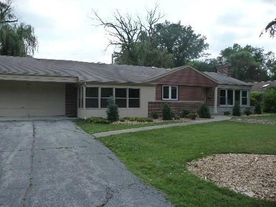 851 Bittersweet Dr, Northbrook, IL 60062