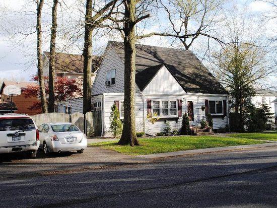 92 Sycamore St, Staten Island, NY 10308