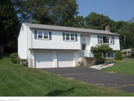 107 Overbrook Dr, Vernon, CT 06066