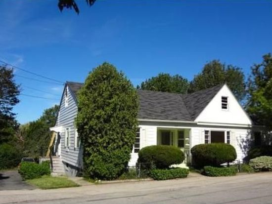 20 Pleasant St, Rockport, MA 01966