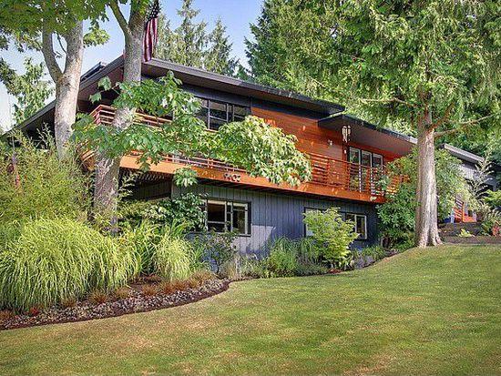 9402 44th Ave SW, Seattle, WA 98136