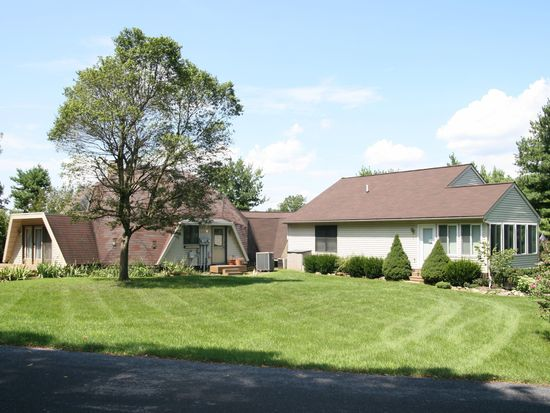 2005 Old Rothsville Rd, Lititz, PA 17543