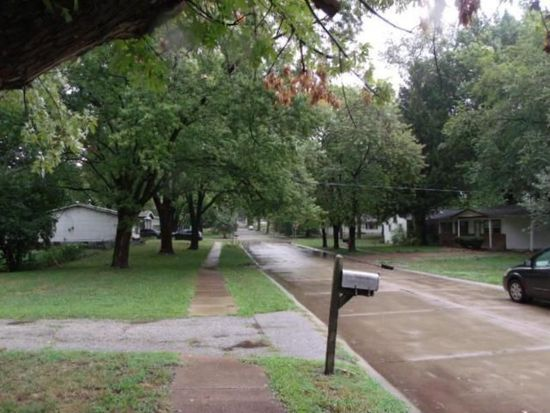 8513 Jacklin Ave, Hazelwood, MO 63042