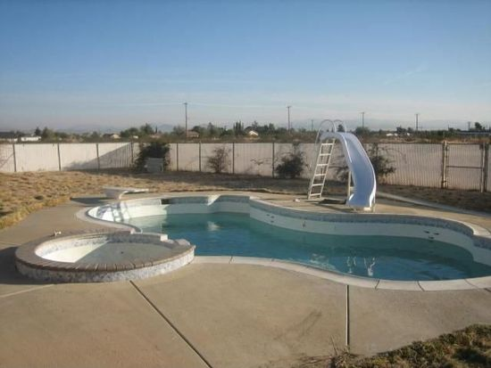 11257 8th Ave, Hesperia, CA 92345