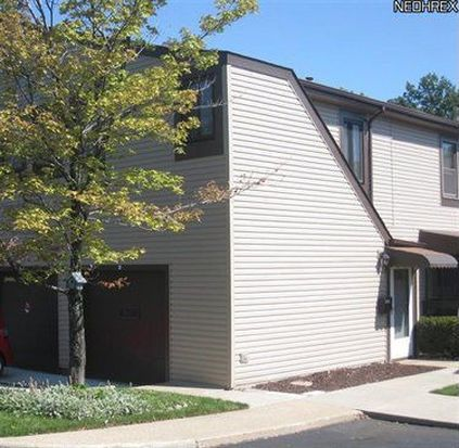 560 Turney Rd APT D, Bedford, OH 44146