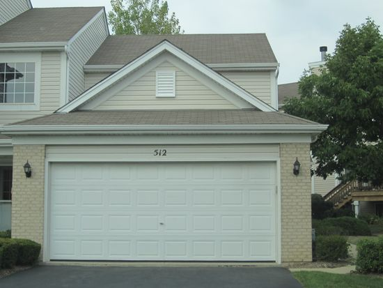 512 Windham Cove Dr, Crystal Lake, IL 60014