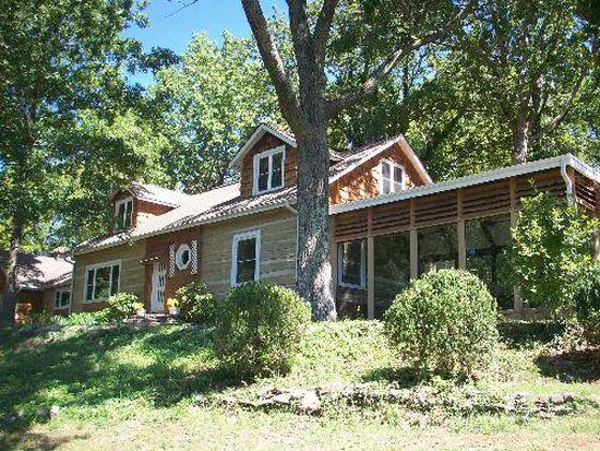 404 Oakwood Dr, Columbia, TN 38401