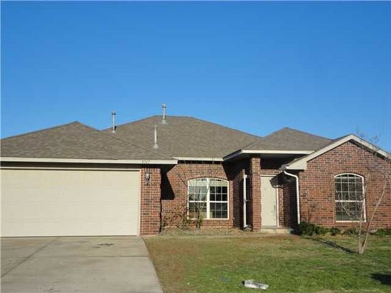 2317 Berry Ln, Midwest City, OK 73130