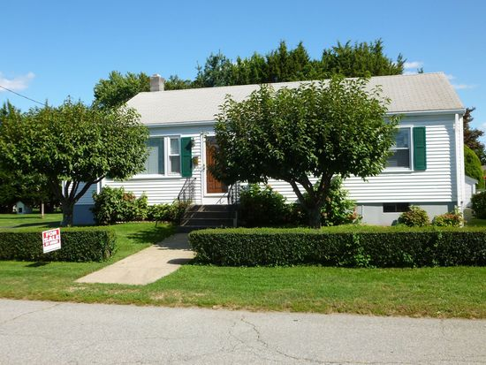 68 Appian Way, East Providence, RI 02914
