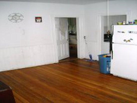 17 Wilson St, Pawtucket, RI 02861