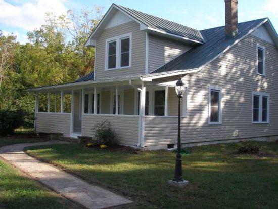 1472 Countryside Dr, Ringgold, VA 24586