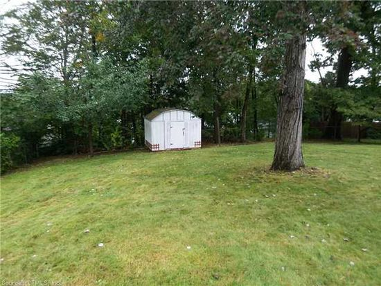 22 Mountain View Dr, East Hartford, CT 06108