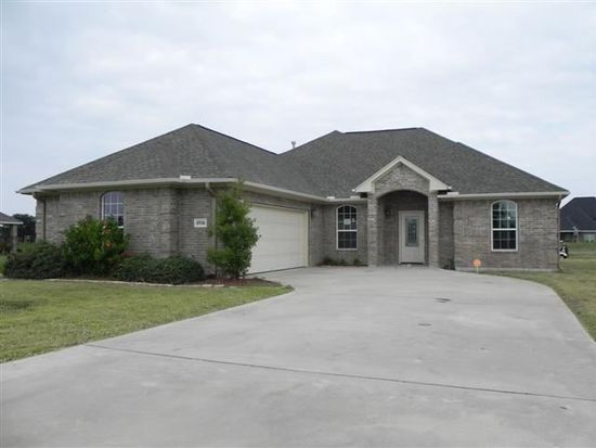 3716 Greenway Pointe Dr, Port Arthur, TX 77642