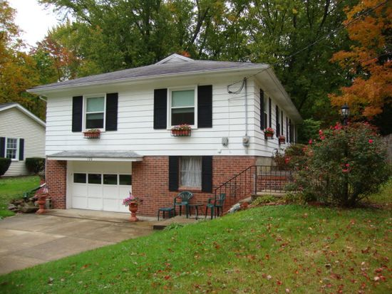 120 Fairview Rd, Chagrin Falls, OH 44022