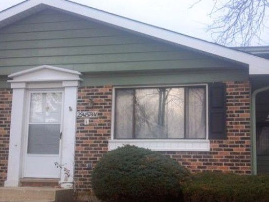 29W574 Winchester Cir N UNIT 2, Warrenville, IL 60555