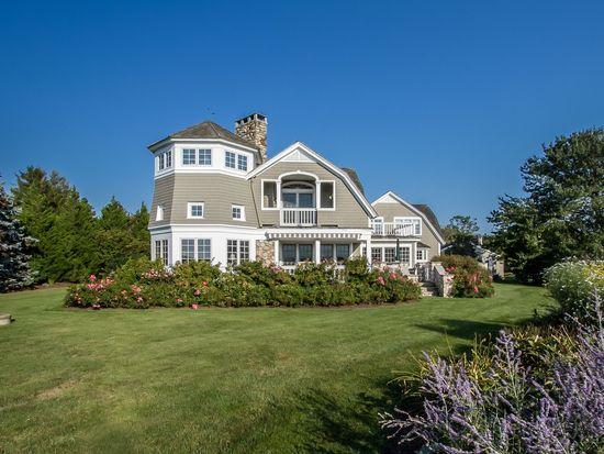 335 W Beach Rd, Charlestown, RI 02813