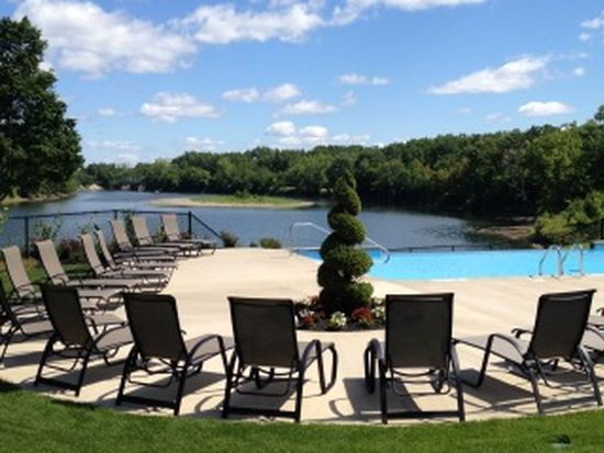 1203 Waters View Cir, Cohoes, NY 12047