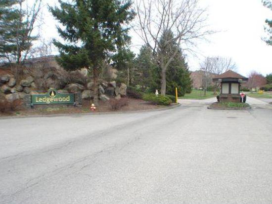 6 Ledgewood Way APT 15, Peabody, MA 01960