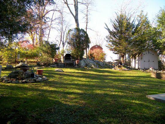 33 Seneca Rd, Putnam Valley, NY 10579