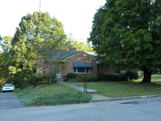 2813 Westhampton Ave SW, Roanoke, VA 24015