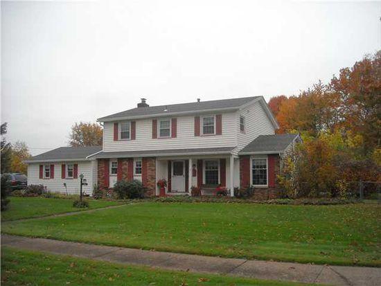 10 Kingsridge Ln, Rochester, NY 14612