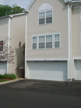 2304 Eaton Ct, Danbury, CT 06811