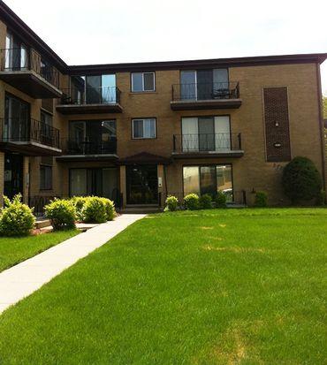 371 Yates Ave APT 5, Calumet City, IL 60409