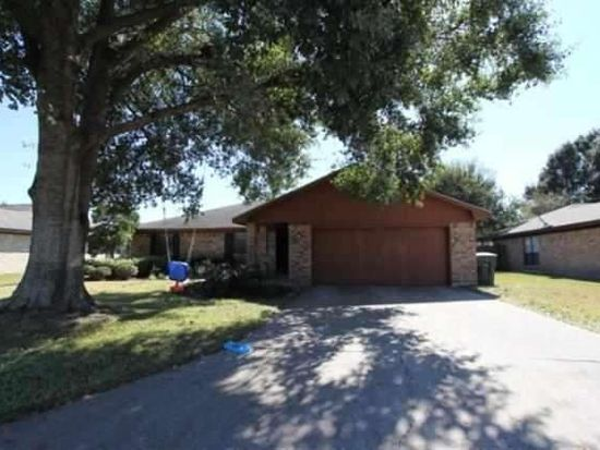 8220 Killian Ln, Beaumont, TX 77706