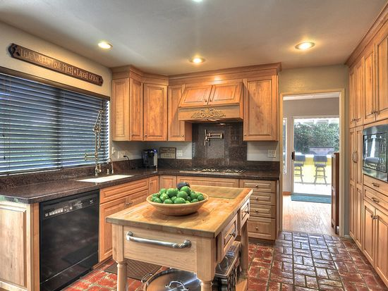 20792 Sparkman Ln, Huntington Beach, CA 92646