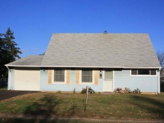 34 Cleft Rock Rd, Levittown, PA 19057