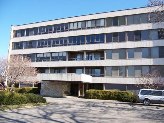 820 Club House Rd UNIT 1C, North Liberty, IA 52317