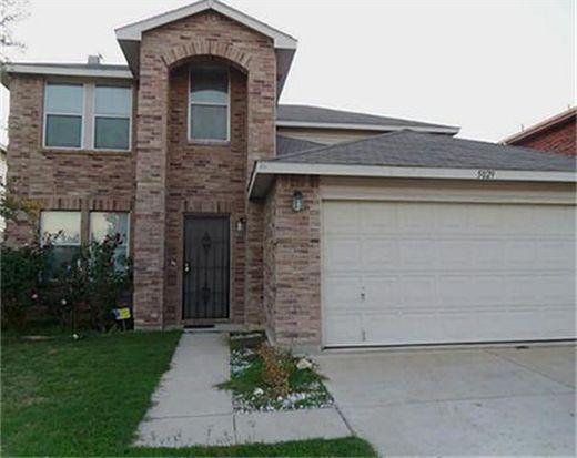 5029 Village Stone Ct, Fort Worth, TX 76179