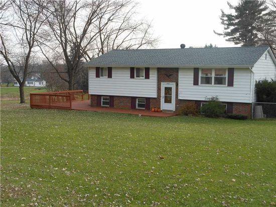 416 W Mercer St, Harrisville, PA 16038