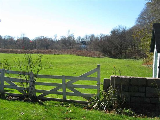 49 Shadow Farm Way, South Kingstown, RI 02879