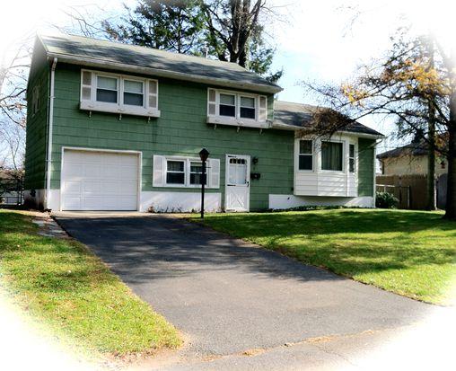 7 Redwood Rd, Saugerties, NY 12477
