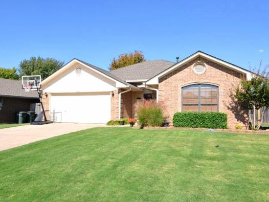 1621 Yellowstone Ln, Edmond, OK 73003