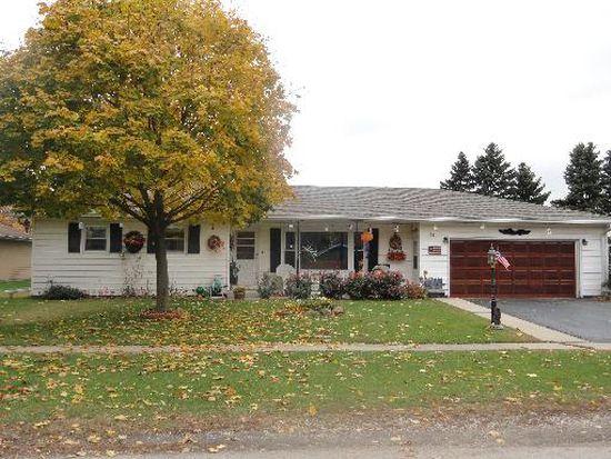 355 N Pine St, Waterman, IL 60556