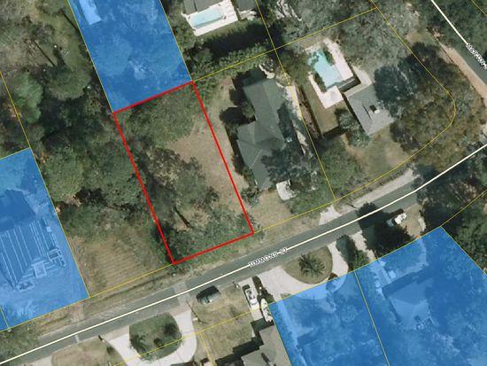 531 Timmons St, St Simons Island, GA 31522