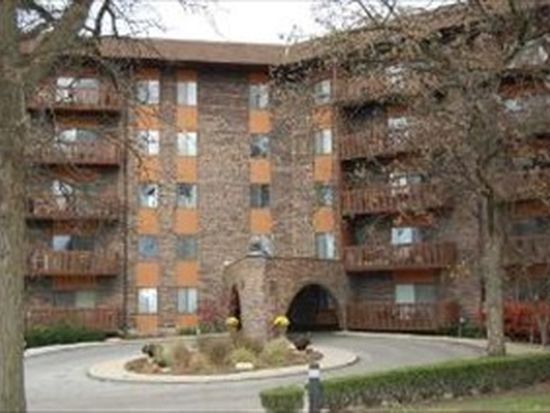 120 Lakeview Dr APT 413, Bloomingdale, IL 60108