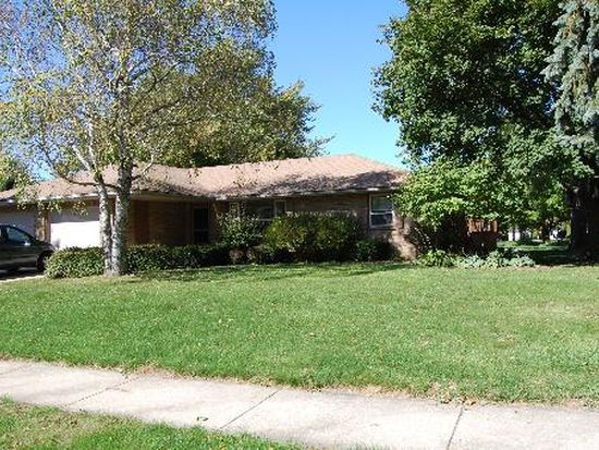 301 Yolane Dr, Sugar Grove, IL 60554