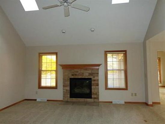 2636 Old Hickory Ct, Hermitage, PA 16148