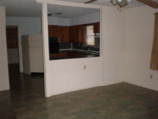 6160 Capitol St, Groves, TX 77619
